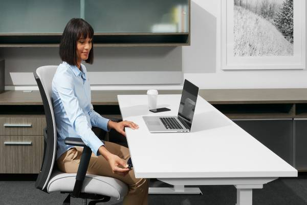 "FreeFit™ height adjustable tables allow you to incorporate healthy movement into your workday. Move freely from sitting to standing to support the task at hand. FreeFit has a ""whisper quiet"" sound insulation option that makes adjustments as quiet as a library. The table can be used individually or in conjunction with Global desks."